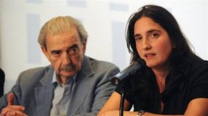 *(The poet Juan Gelman reunited with his grand-daughter, daughter of his missing son, she was one of the stolen infants.)